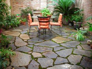 سنگ فرش حیاط